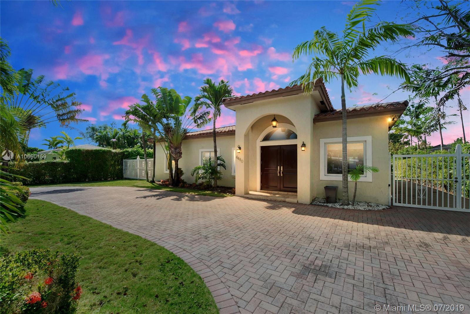 6480 SW 82 St  For Sale A10660159, FL