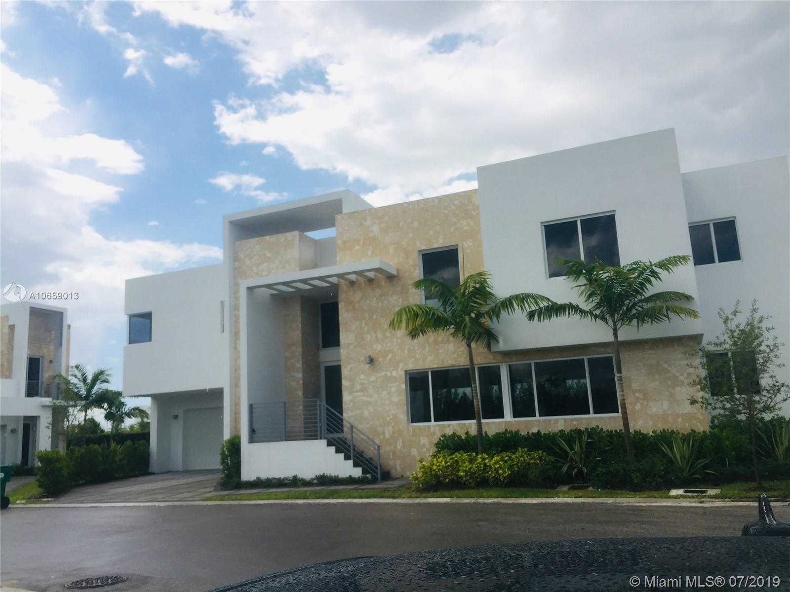 6715 NW 103rd Ave  For Sale A10659013, FL