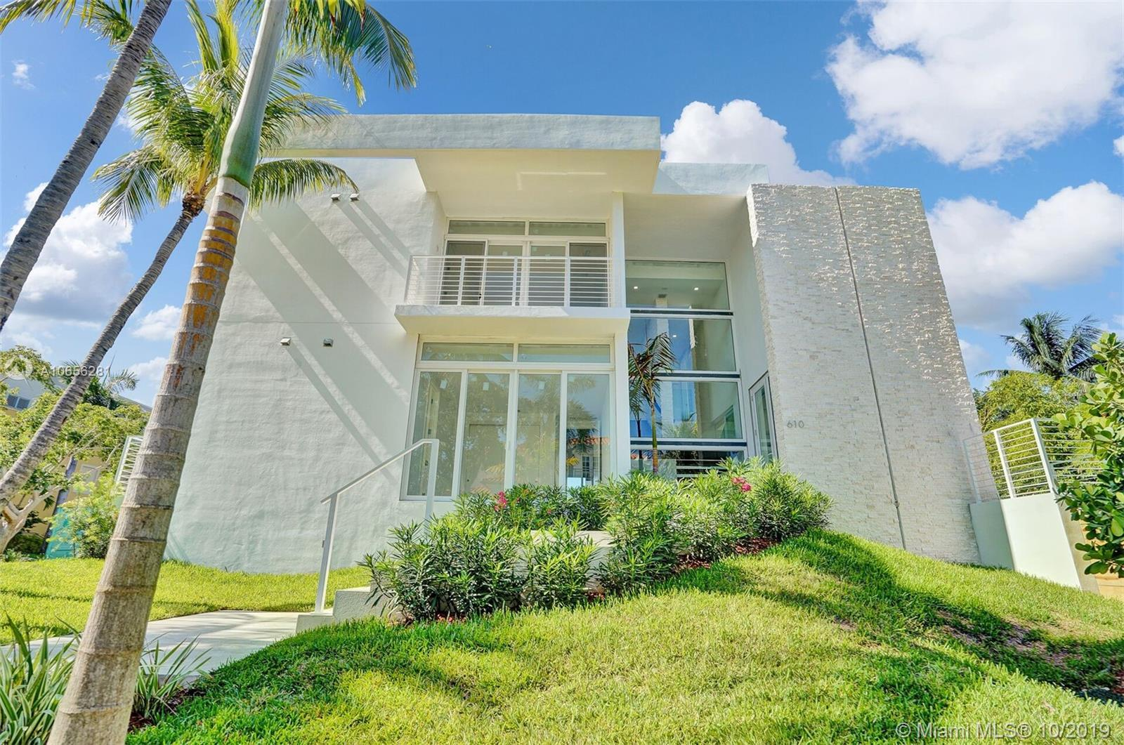 610  Ridgewood Rd  For Sale A10656281, FL