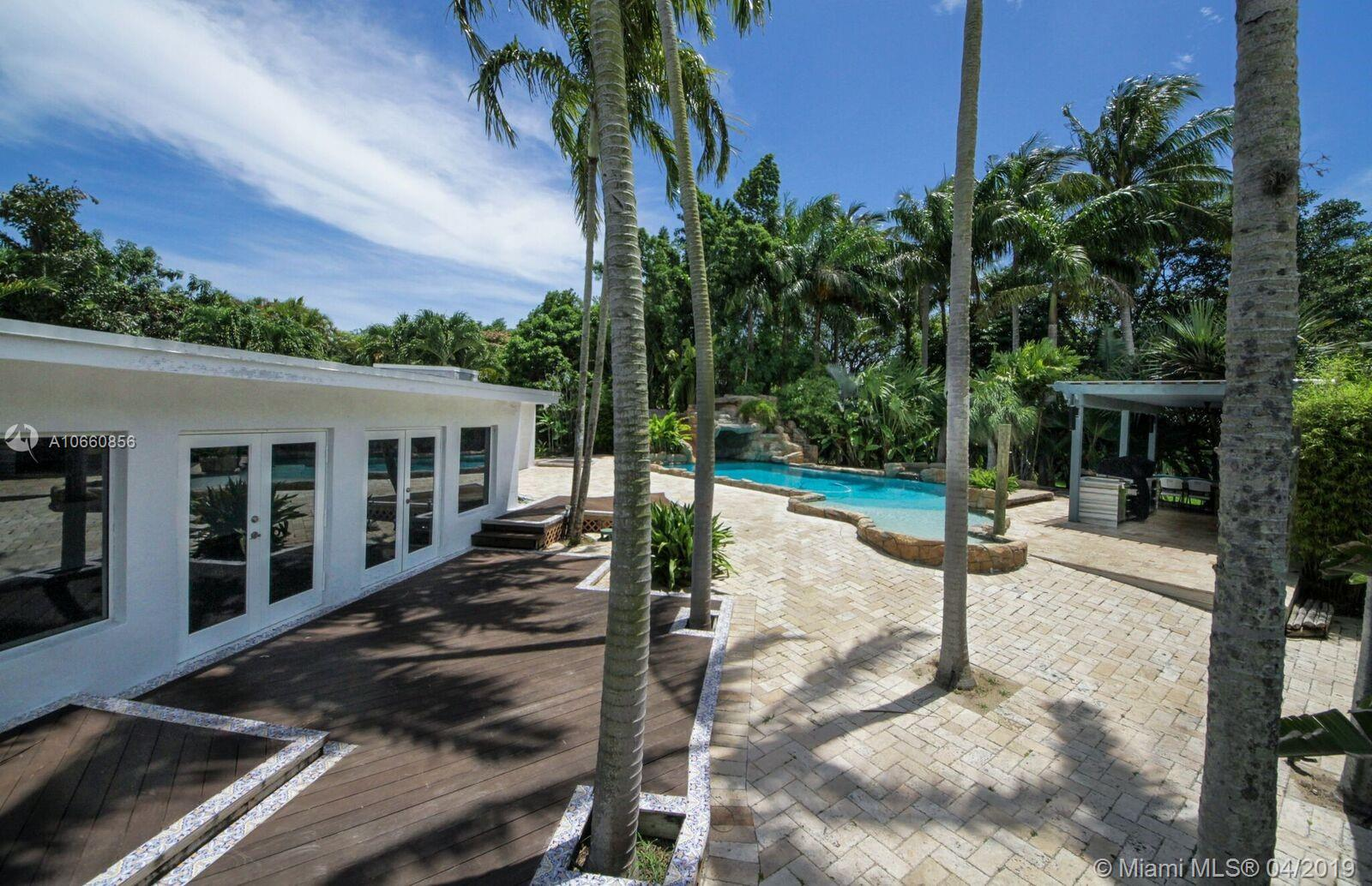 13150 SW 75th Ave  For Sale A10660856, FL