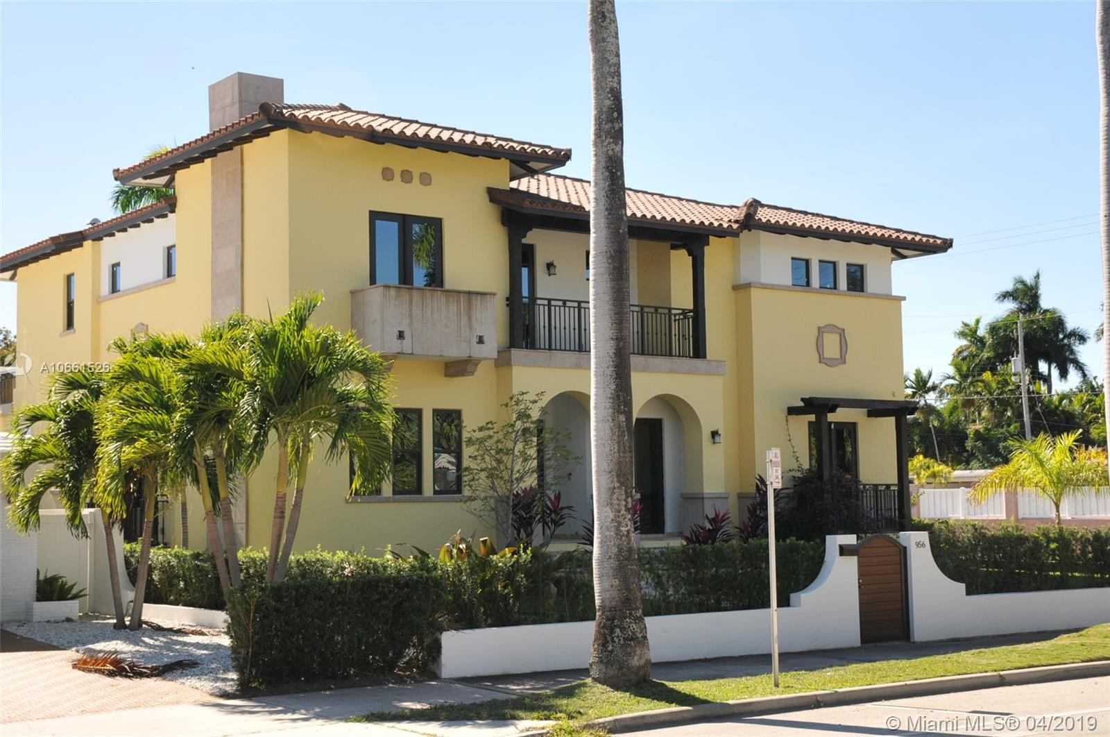956  Hollywood  For Sale A10661526, FL