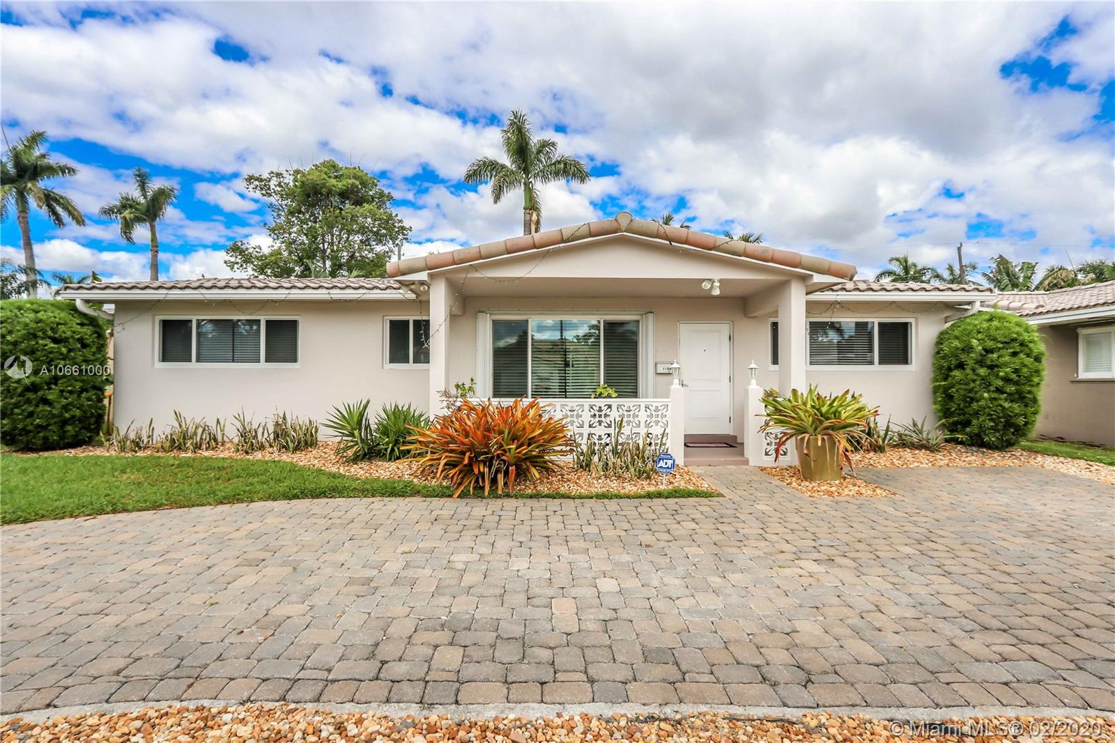 1106 N 13th Ave  For Sale A10661000, FL