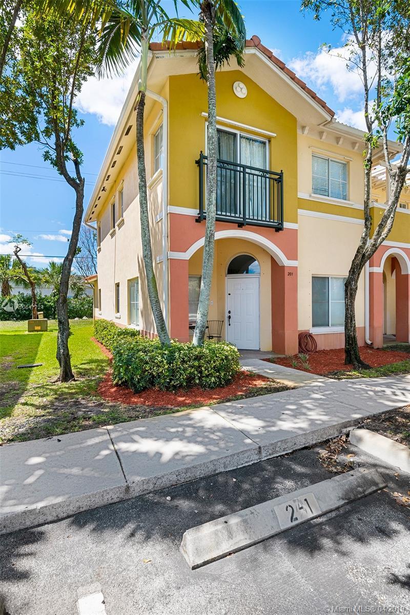 201 S Santa Catalina Cir 201, North Lauderdale, FL 33068