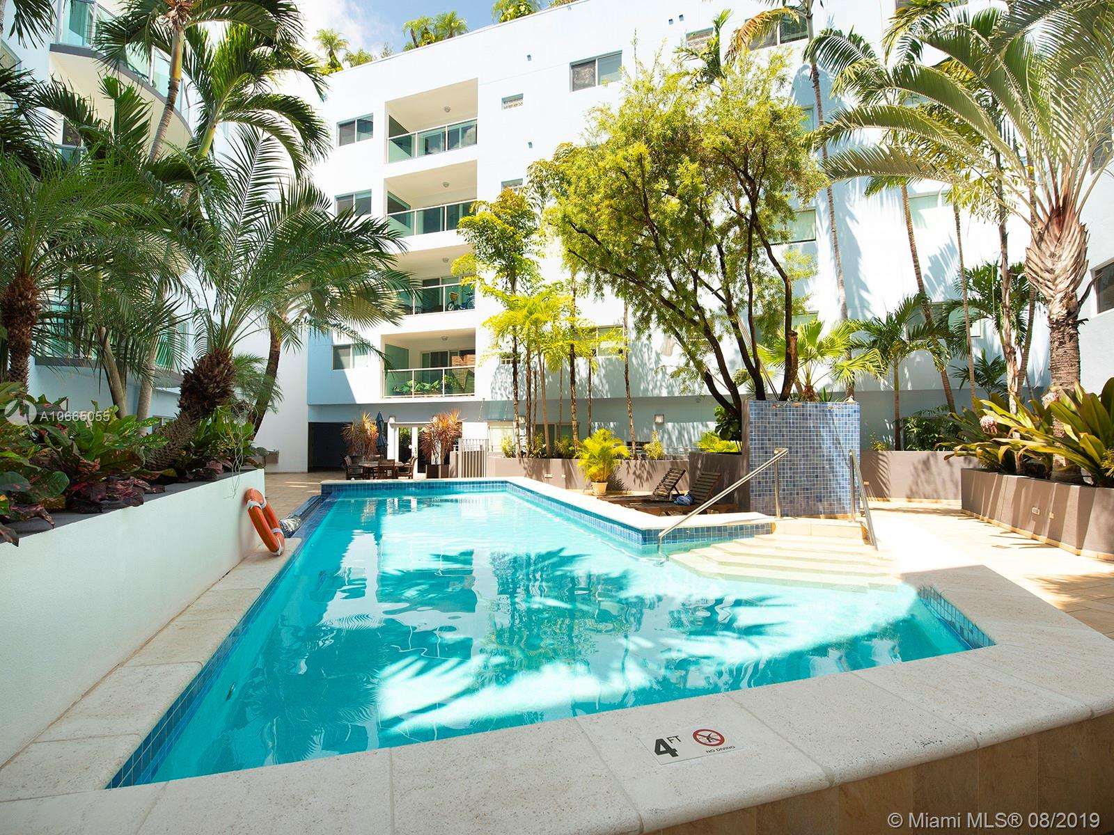 2699  Tigertail Ave #32 For Sale A10665055, FL