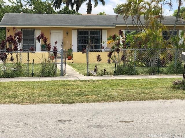 10905 SW 142nd Ln  For Sale A10665223, FL