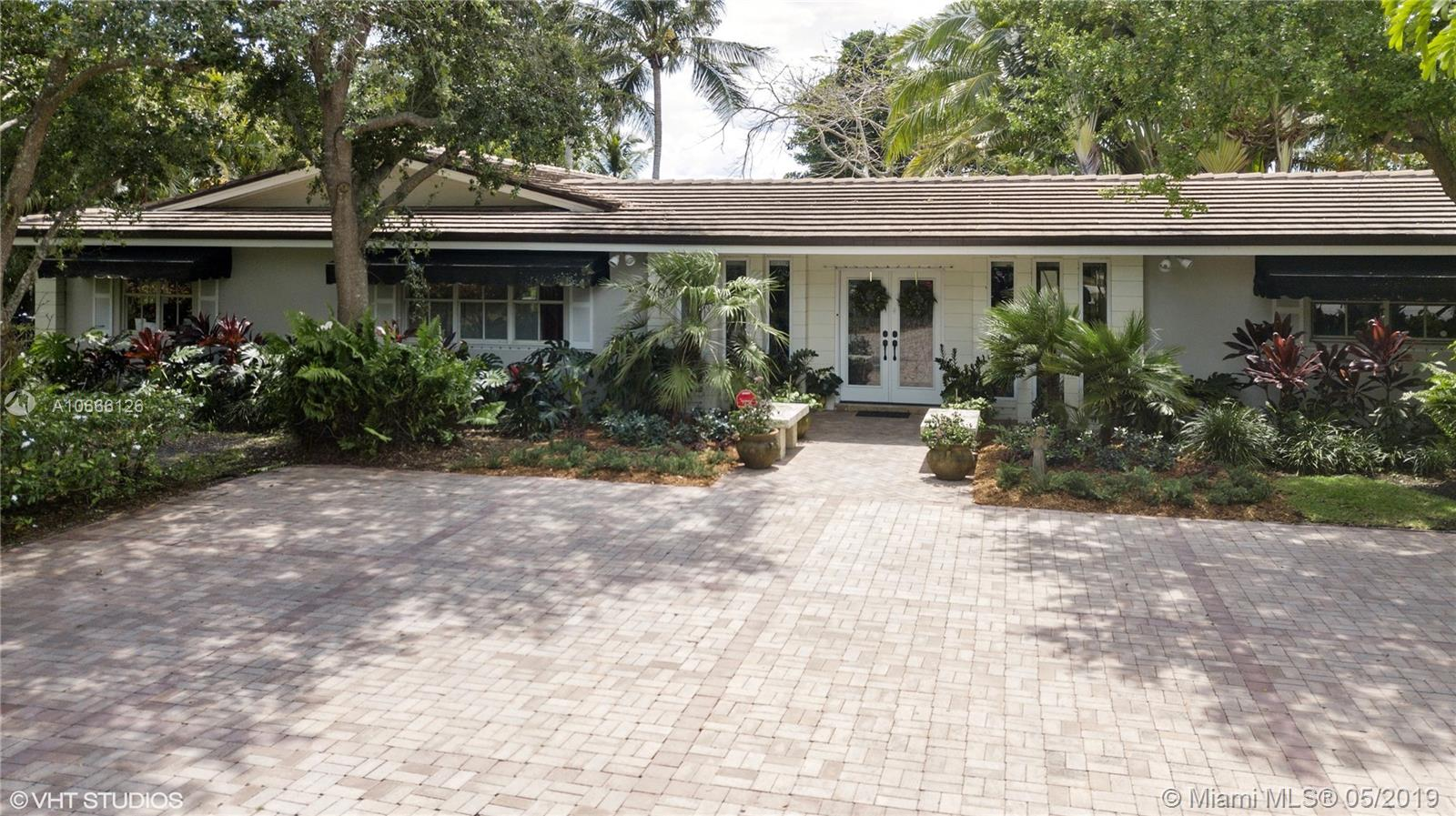 8400 SW 104th St  For Sale A10666126, FL