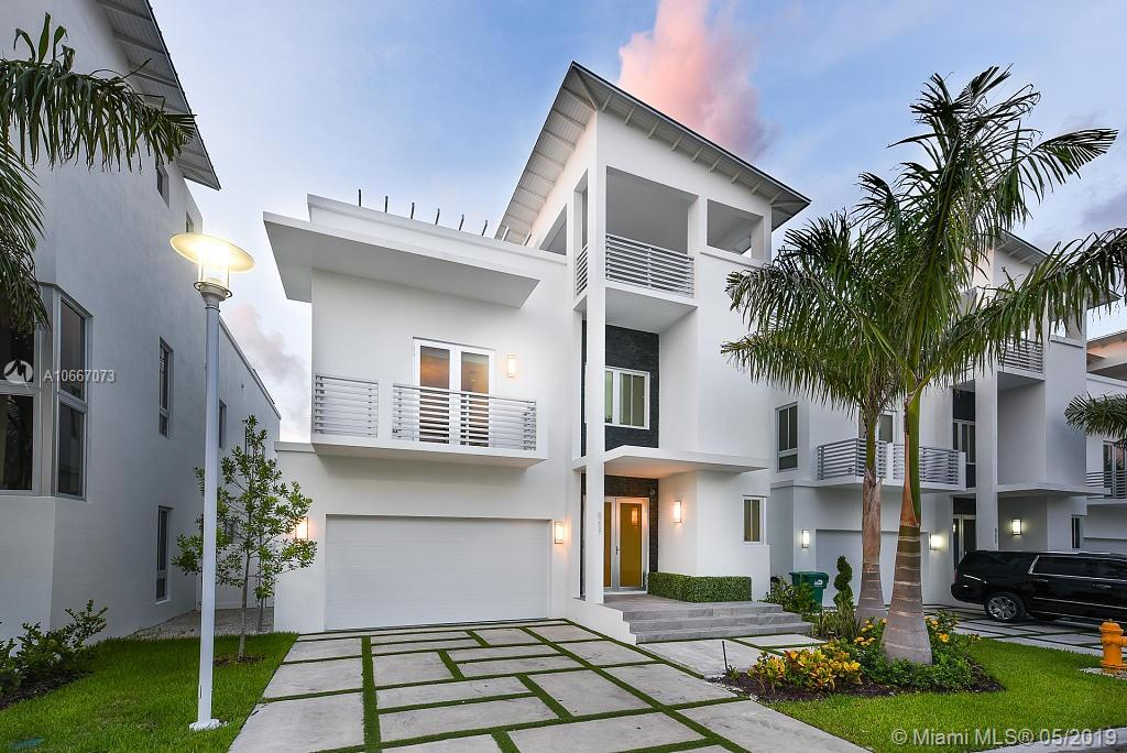 8259 NW 34th St  For Sale A10667073, FL