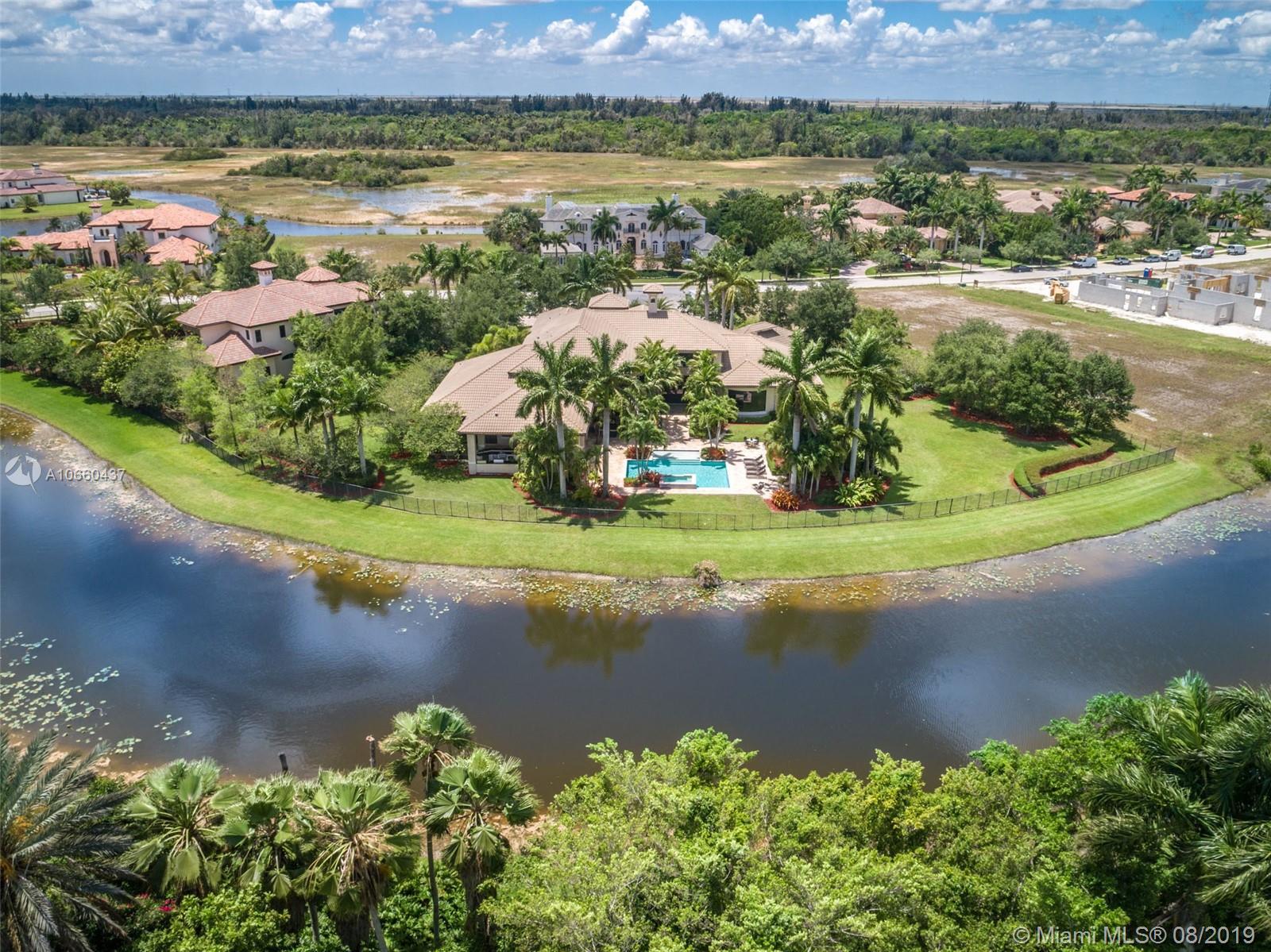 2988  Lake Ridge Ln  For Sale A10660437, FL