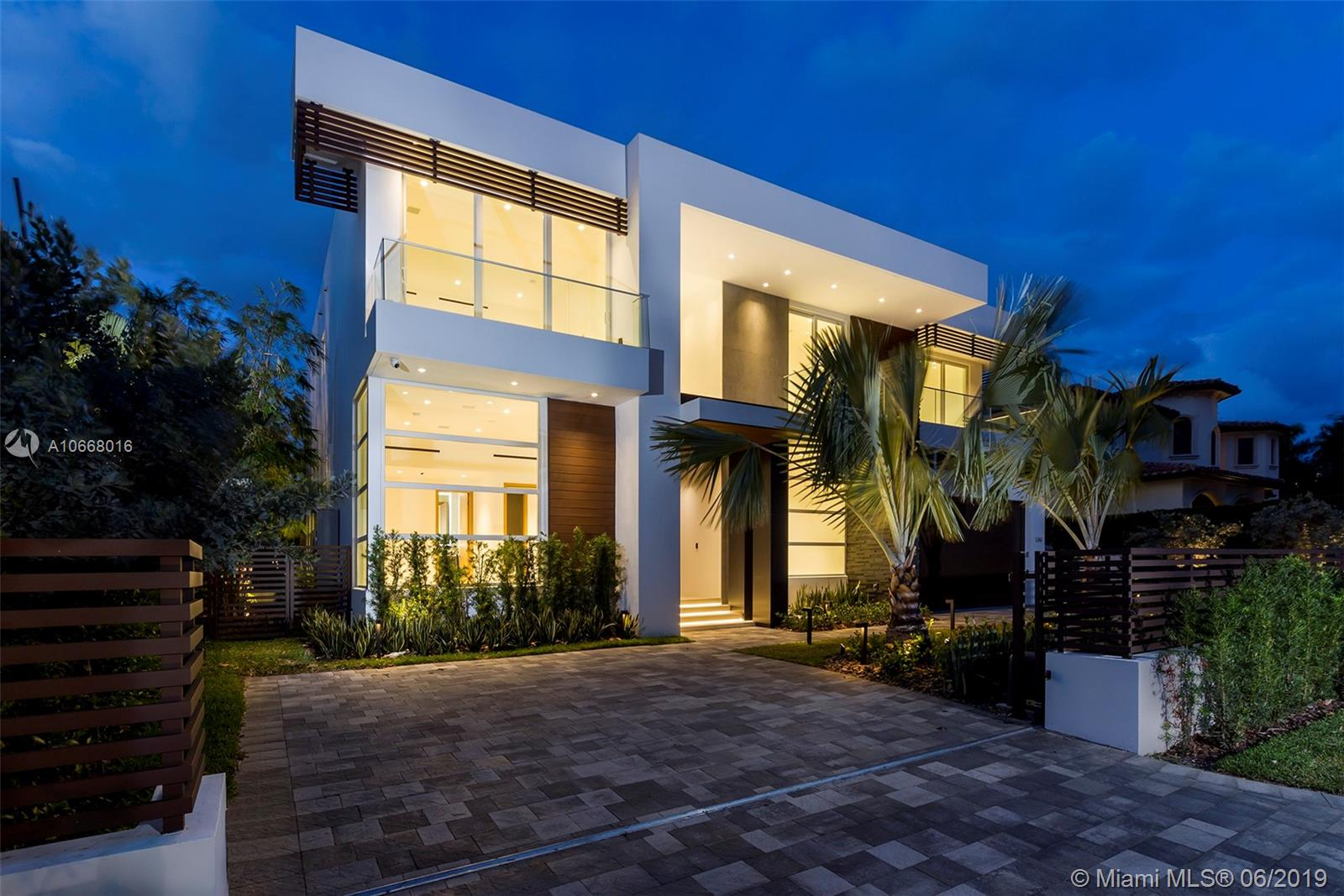 1261  99th St  For Sale A10668016, FL