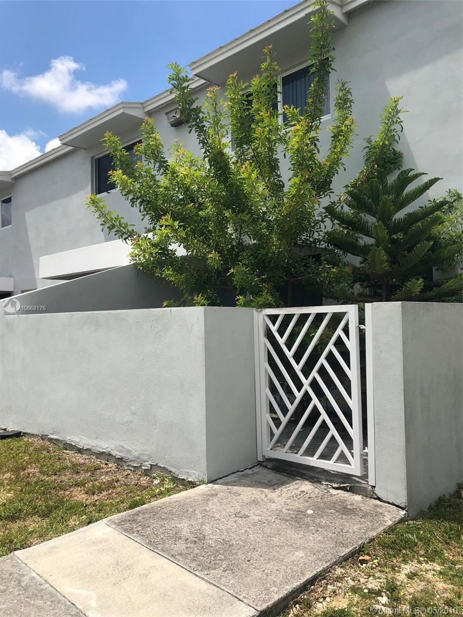 1915 NW 5th Pl #392 For Sale A10668176, FL