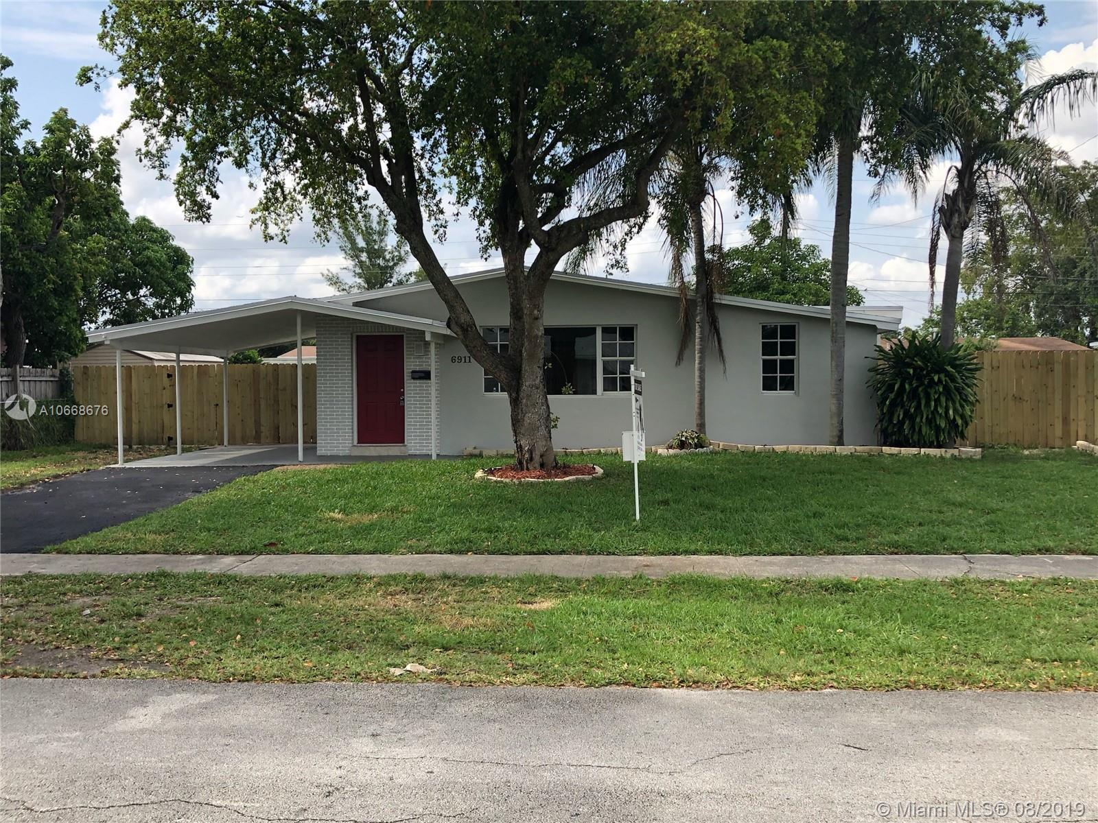 6911  Taylor St  For Sale A10668676, FL