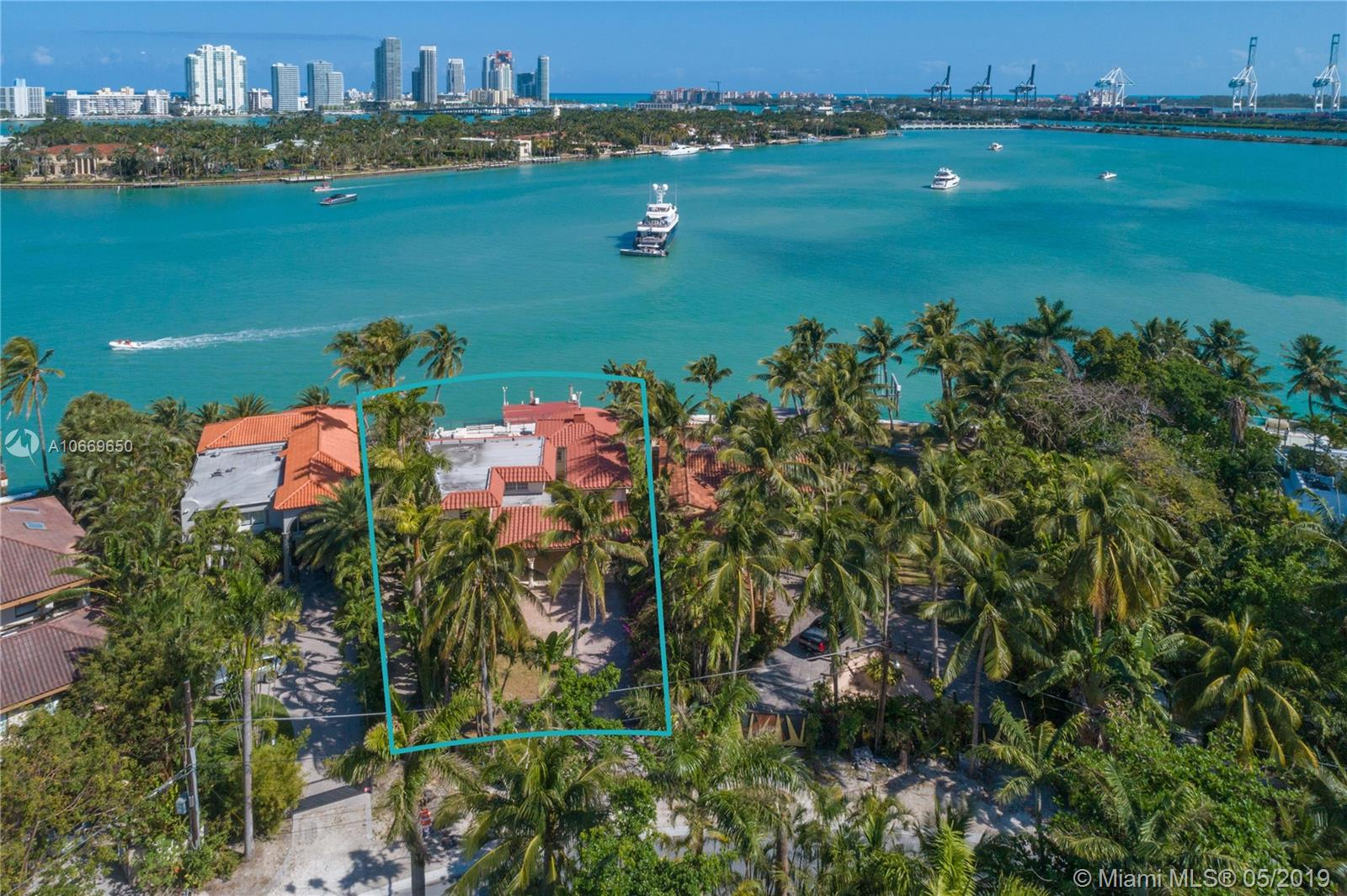 Take advantage of this rare development opportunity on guard gated Hibiscus Island. This lot features 71 feet of water frontage and breathtaking panoramic open water views. Enjoy the best of both worlds within just 5 minutes of Miami Beach or Downtown Miami. Adjacent property, 6 S Hibiscus Drive, also available for purchase. For knockdown value; property contains building that currently requires substantial renovation to get new certificate of occupancy.