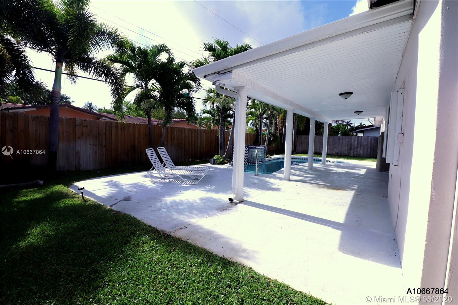 21301 NE 20th Ave, Miami FL 33179