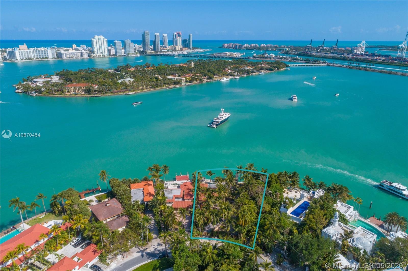 Rare development opportunity on expansive 19,714 square foot lot on guard gated Hibiscus Island. Perfect landscape for your dream home with 143 ft of water frontage and wide open water views. Enjoy living in close proximity to Miami Beach and Downtown Miami. Adjacent property, 2 S Hibiscus Drive, also available for purchase.