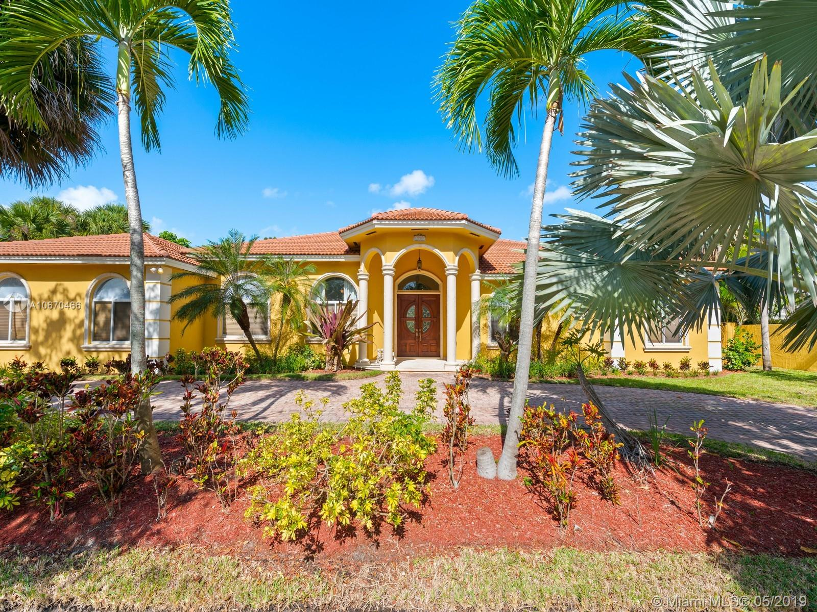 15900 SW 82nd Ave  For Sale A10670466, FL