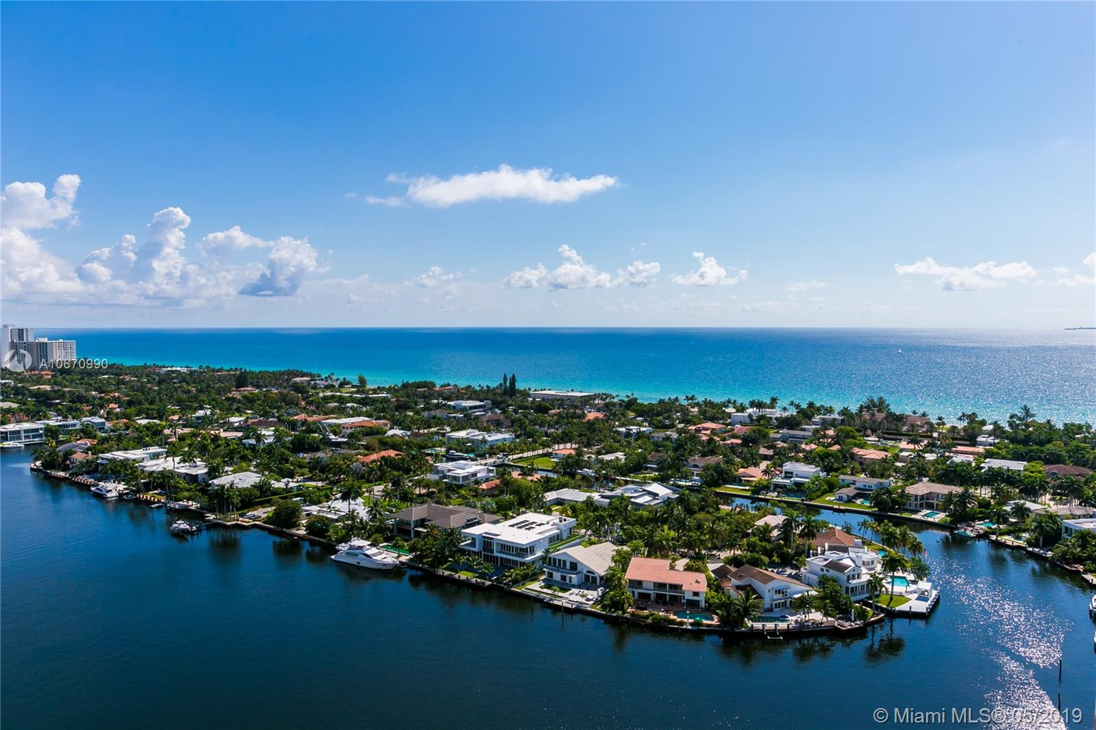 20191 E Country Club Dr #PH5 For Sale A10670990, FL