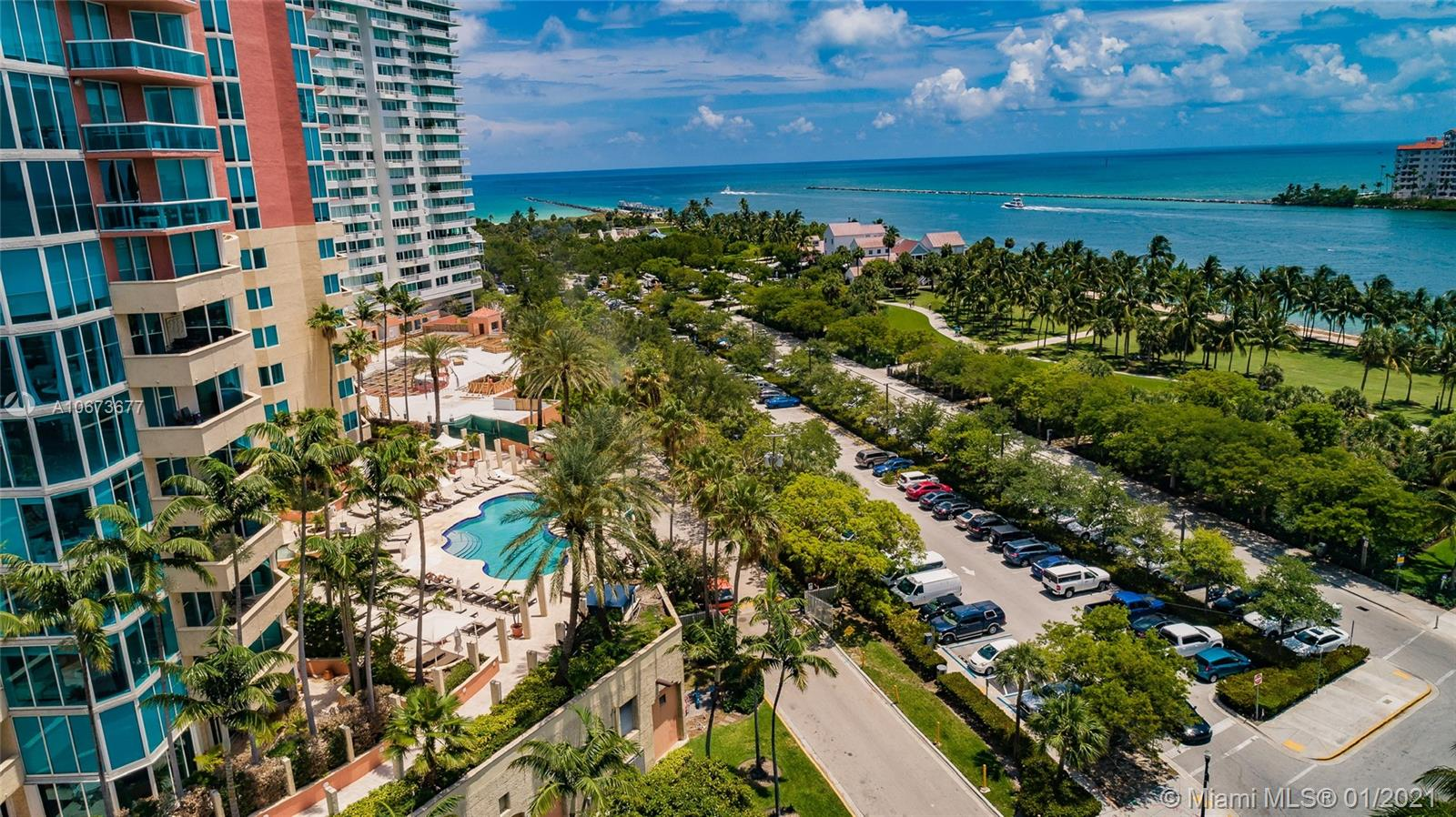 300 S Pointe Dr #303 For Sale A10673677, FL