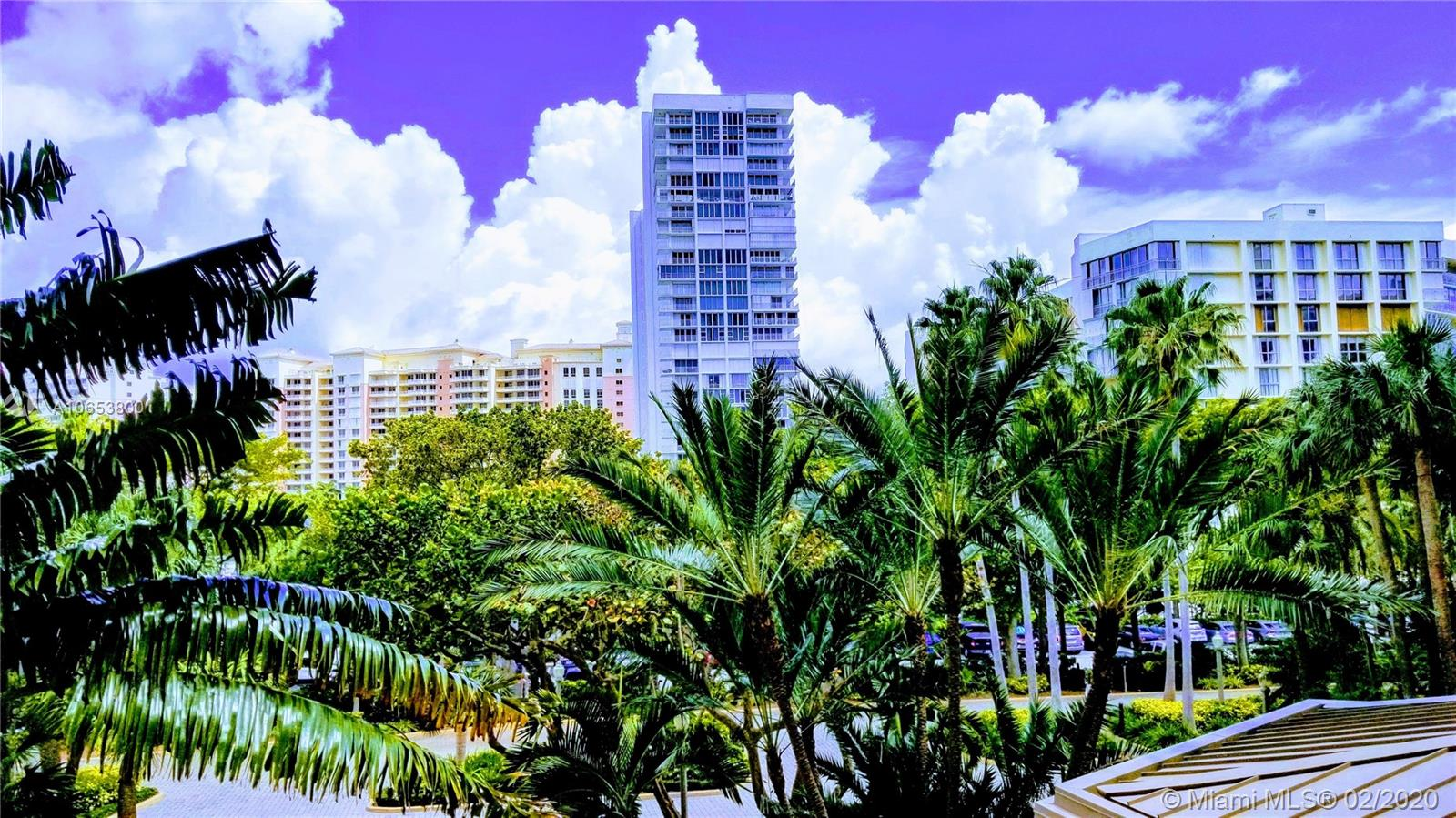 1121  Crandon Blvd #E204 For Sale A10653800, FL