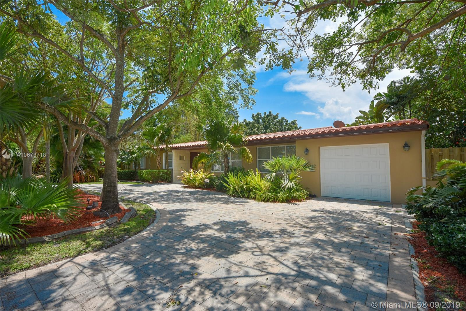6100 S W 63rd Ave  For Sale A10673718, FL