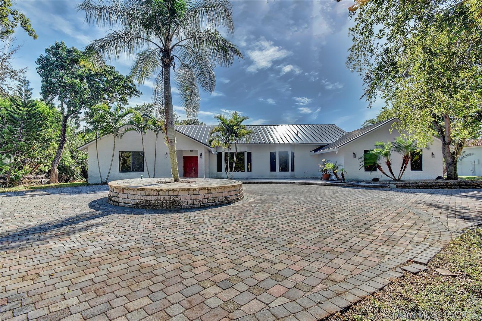 3910 NW 43rd St, Coconut Creek, FL 33073