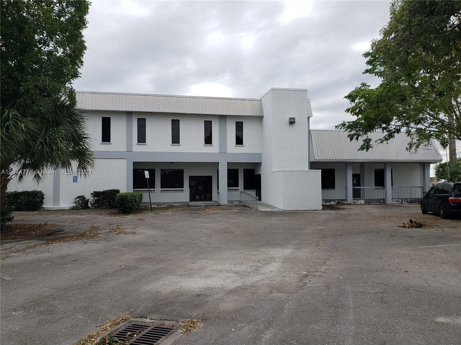 408 E Dr Martin Luther King Jr Blvd E, Belle Glade, FL 33430