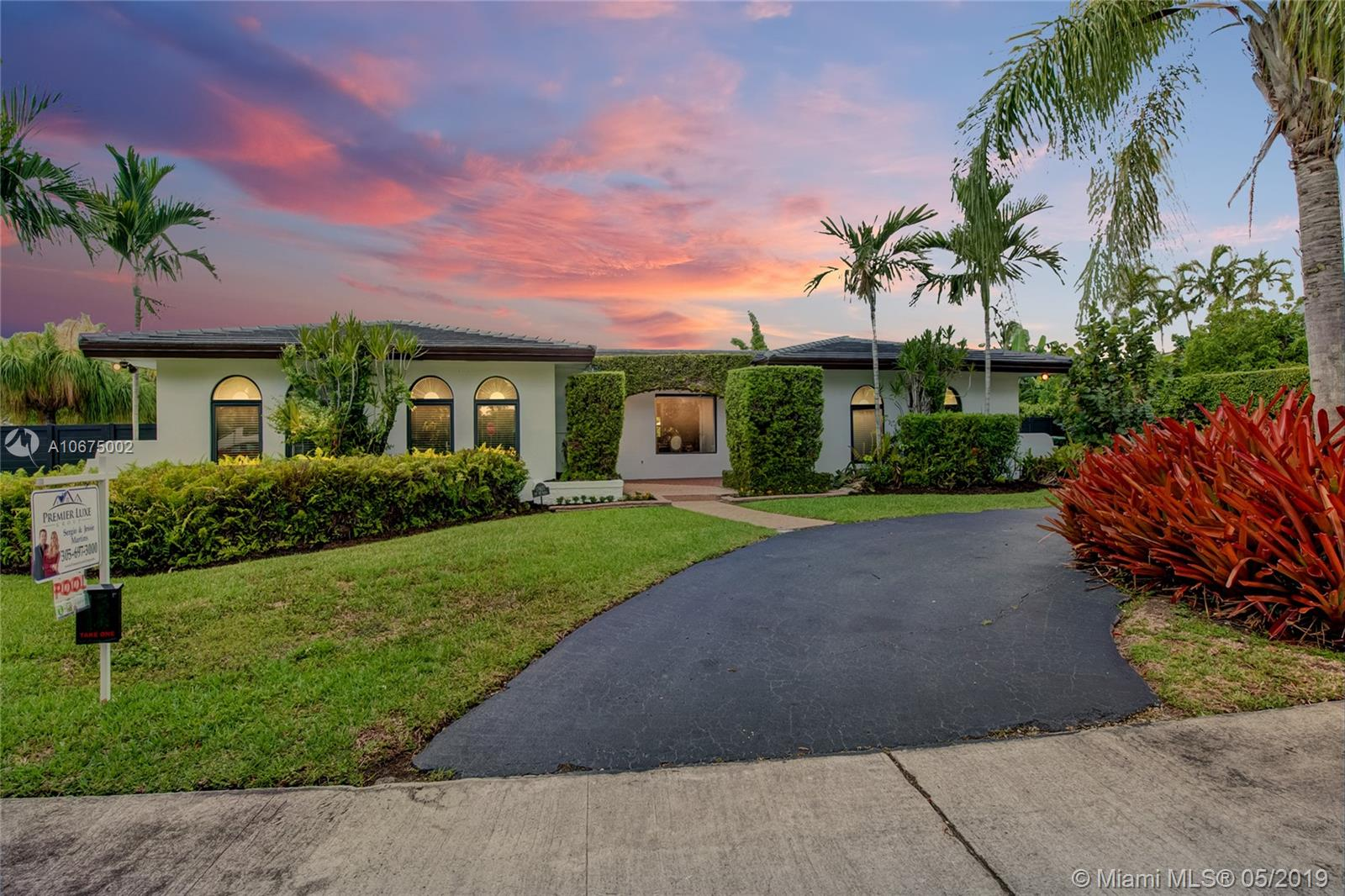 17420 SW 89th Ave  For Sale A10675002, FL