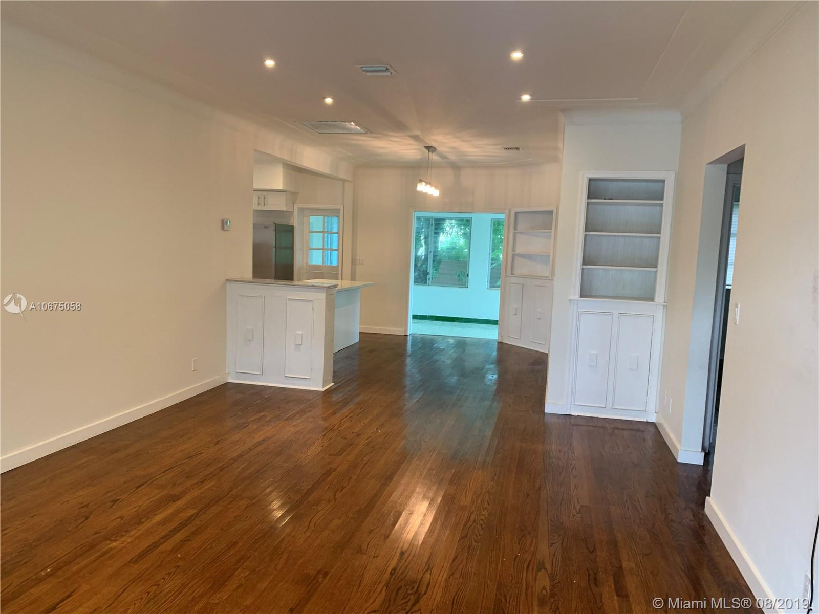 9381  Carlyle Ave  For Sale A10675058, FL