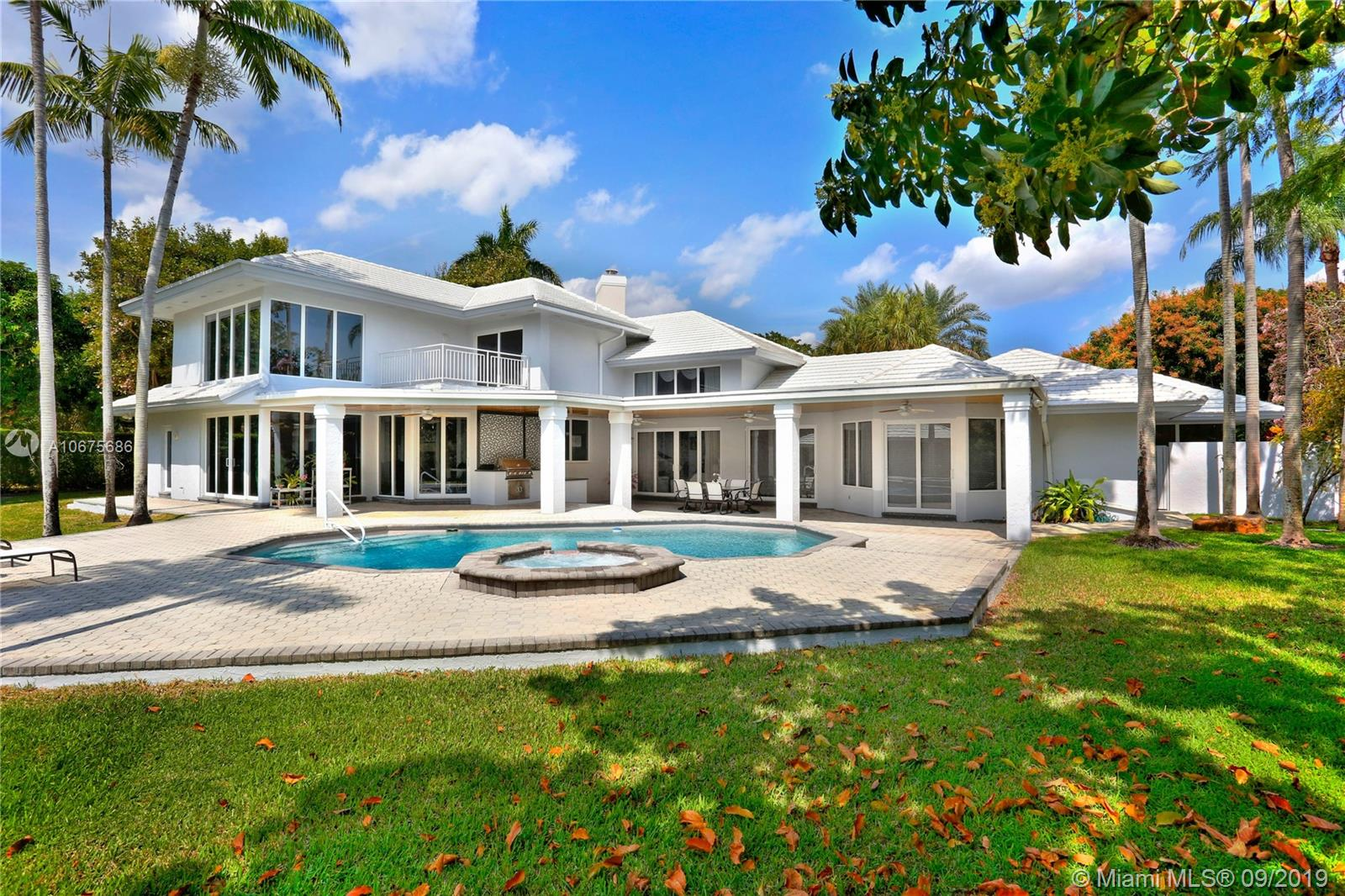 6270 SW 102nd St  For Sale A10675686, FL
