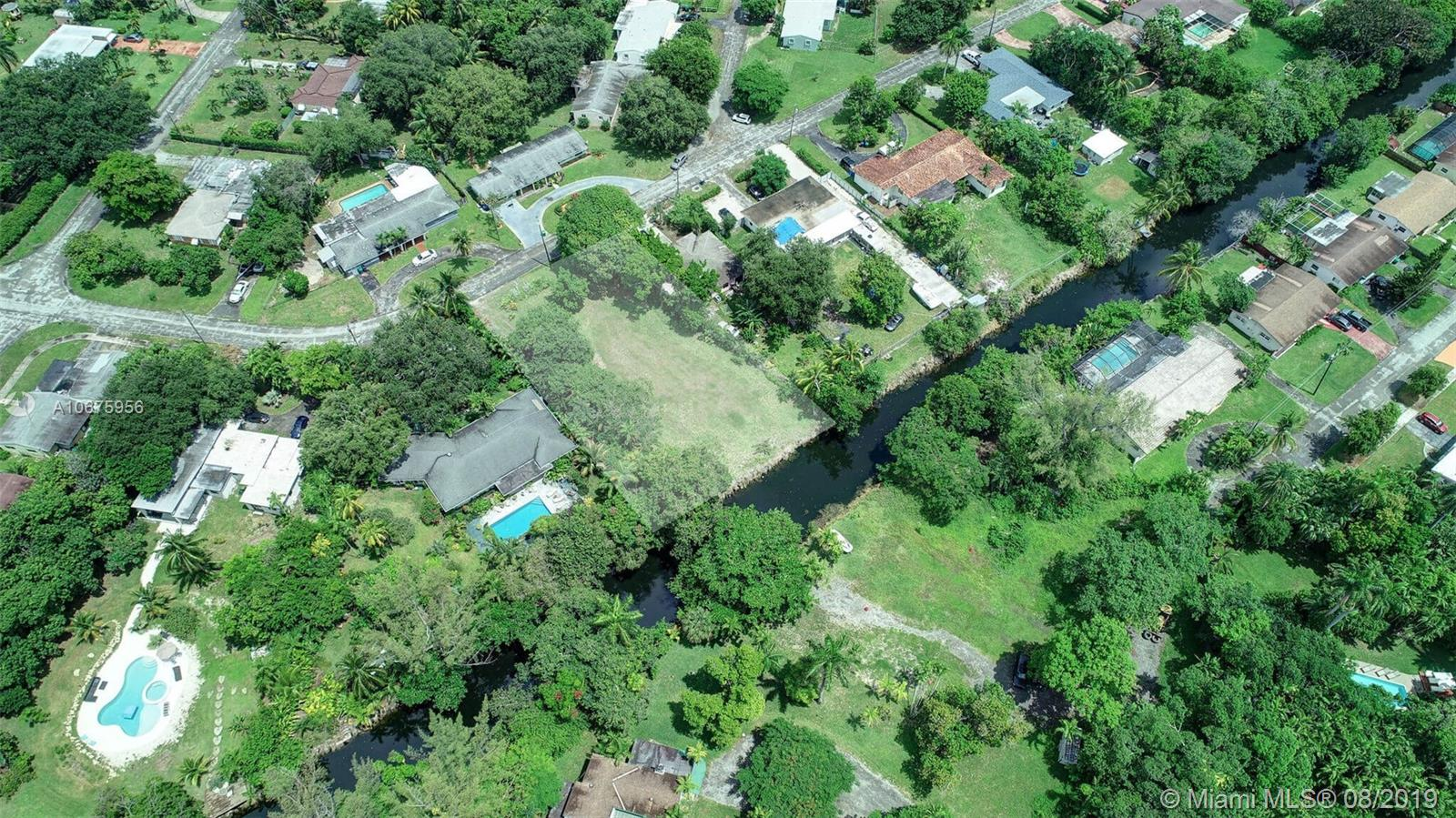 146 N Spur Dr  For Sale A10675956, FL