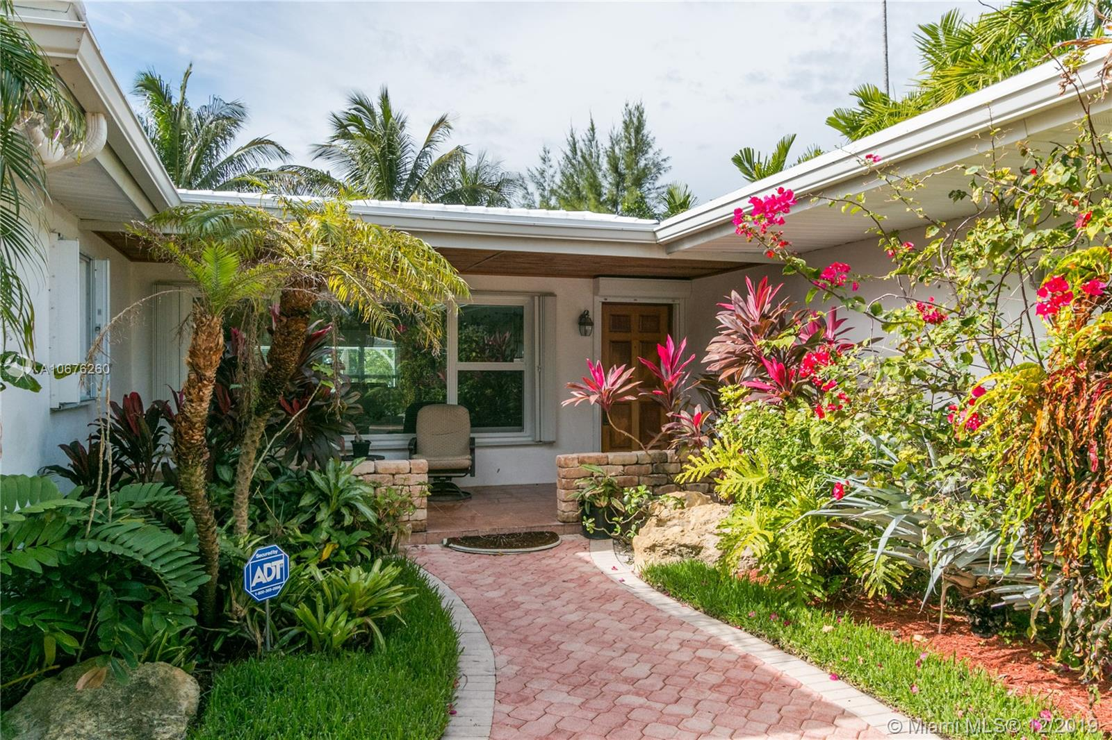 8818  Hawthorne Ave  For Sale A10676260, FL