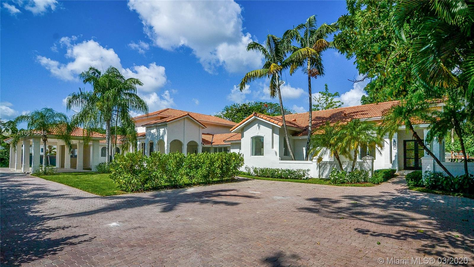 5740 SW 67th Ave  For Sale A10675636, FL