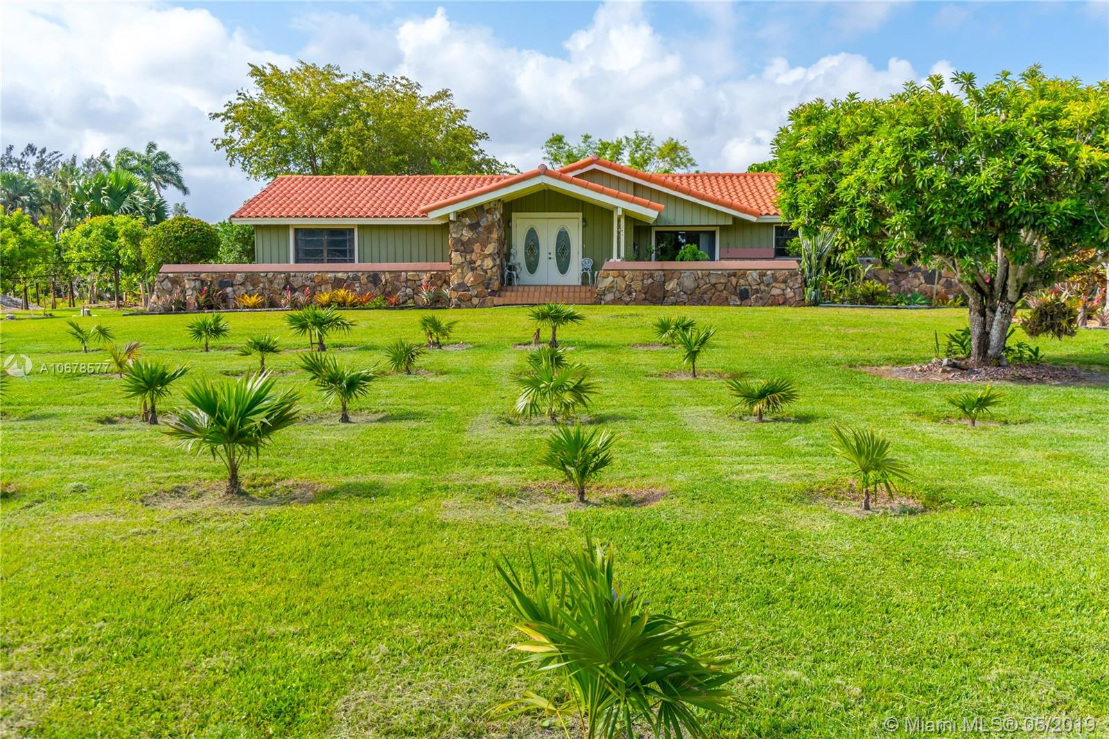 13200 Mustang Trl, Southwest Ranches, FL 33330