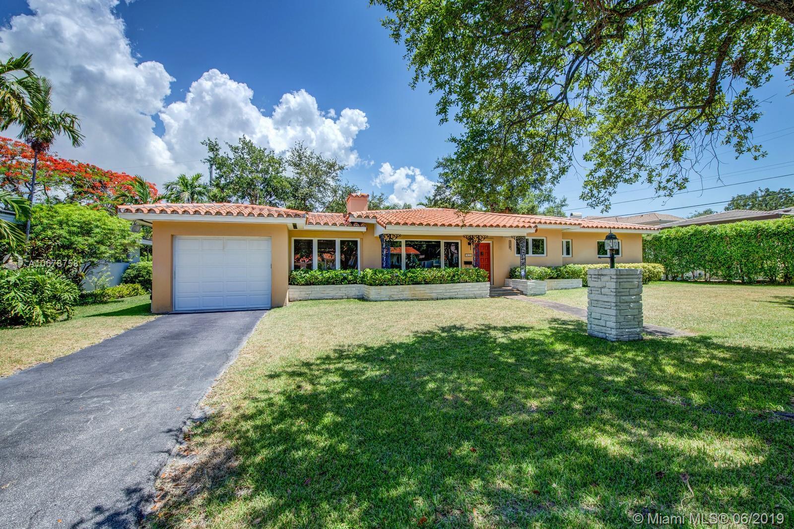 915  Osorio Ave  For Sale A10678758, FL