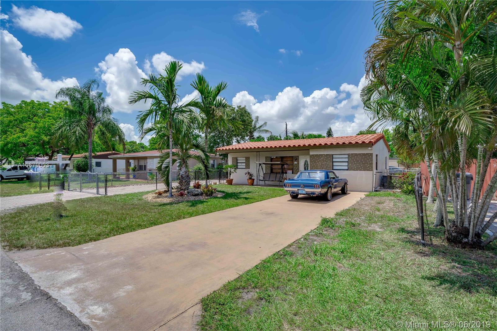 6317  Grant Ct  For Sale A10679003, FL