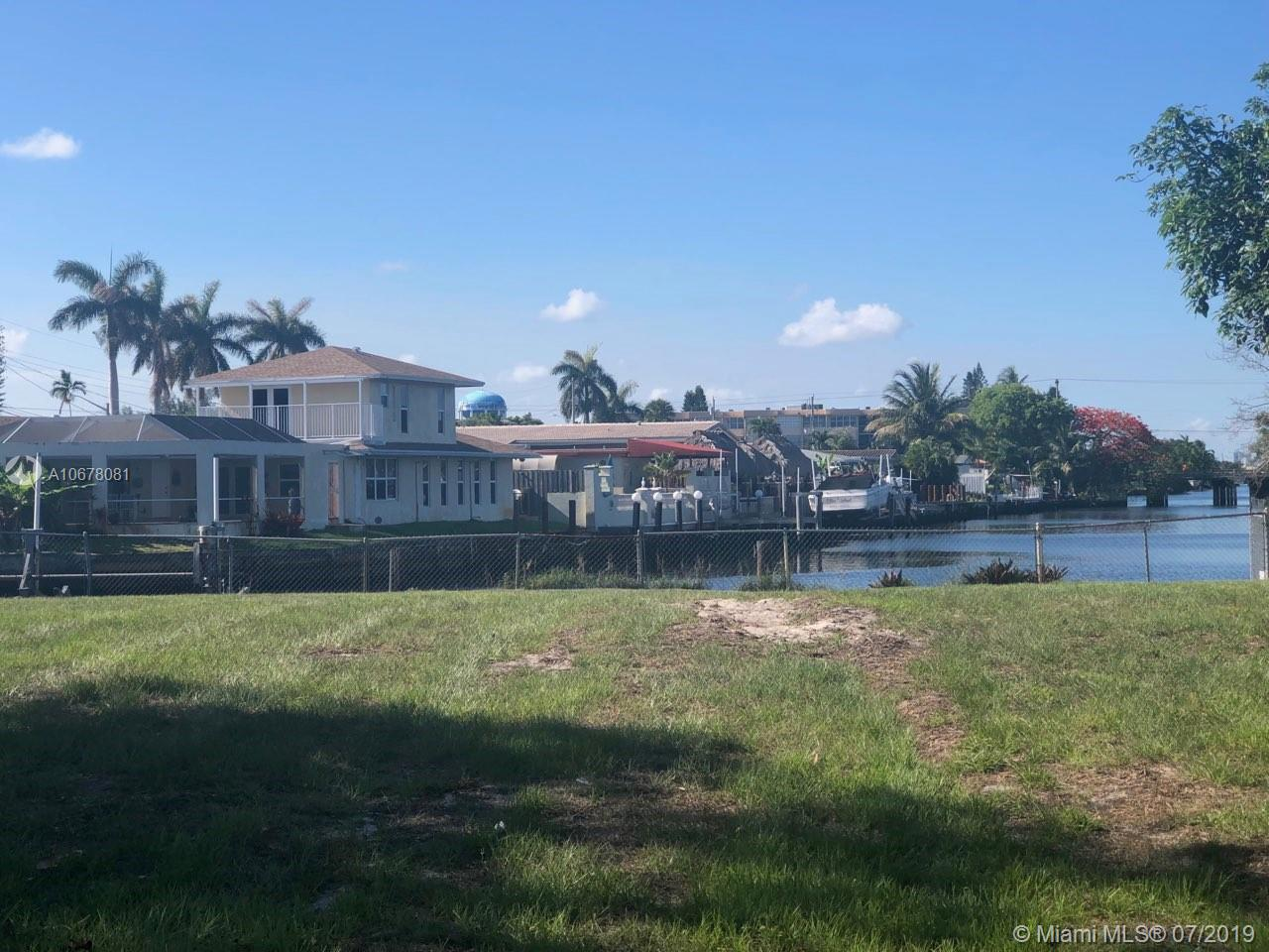 2811  Mckinley St  For Sale A10678081, FL