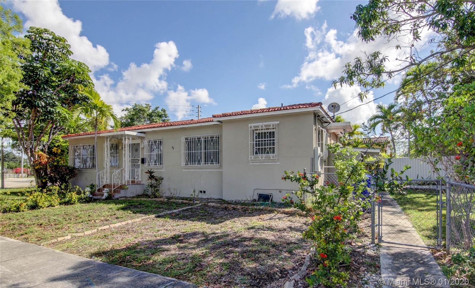 375 SW 32nd Rd  For Sale A10673166, FL