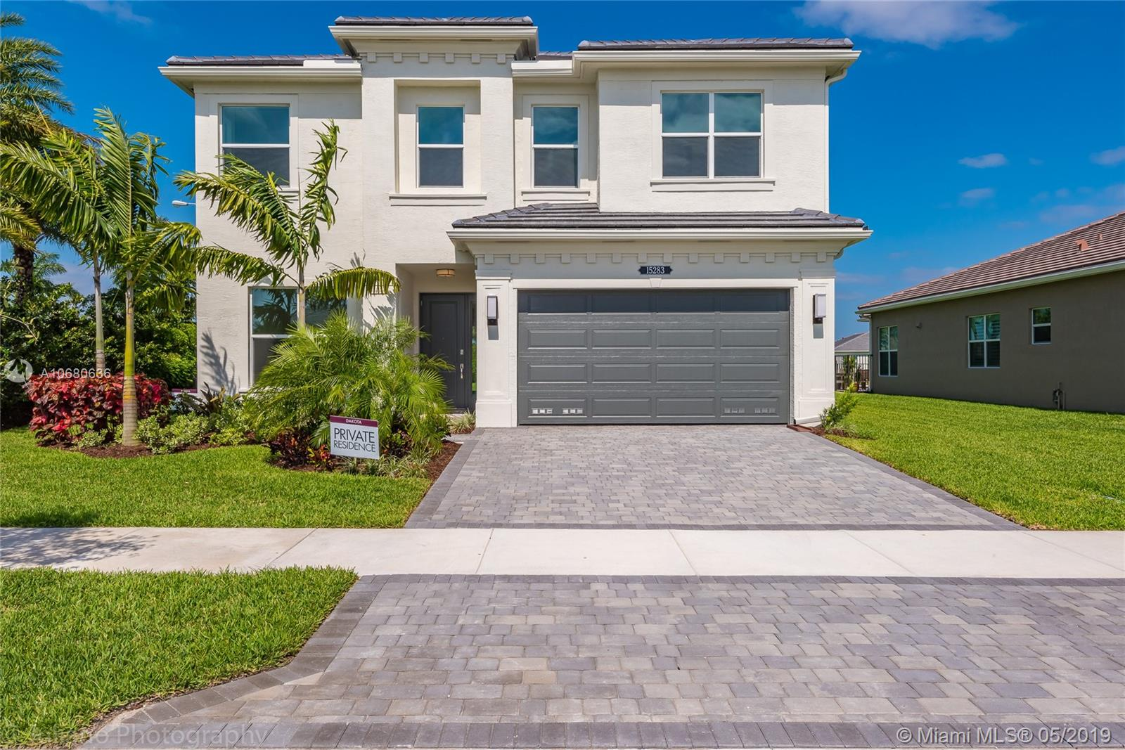 15283  Seaglass Terrace Ln  For Sale A10680636, FL