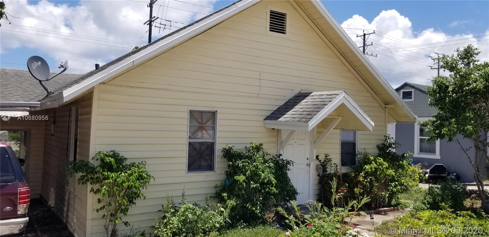 710 N A St, Lake Worth, FL 33460