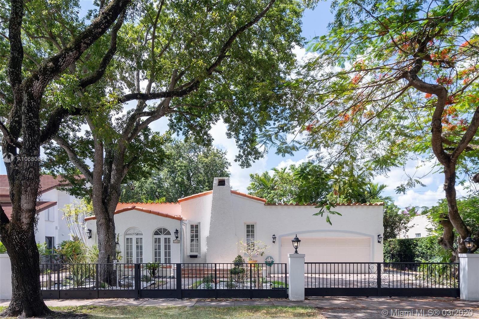 1320  Obispo Ave  For Sale A10680831, FL