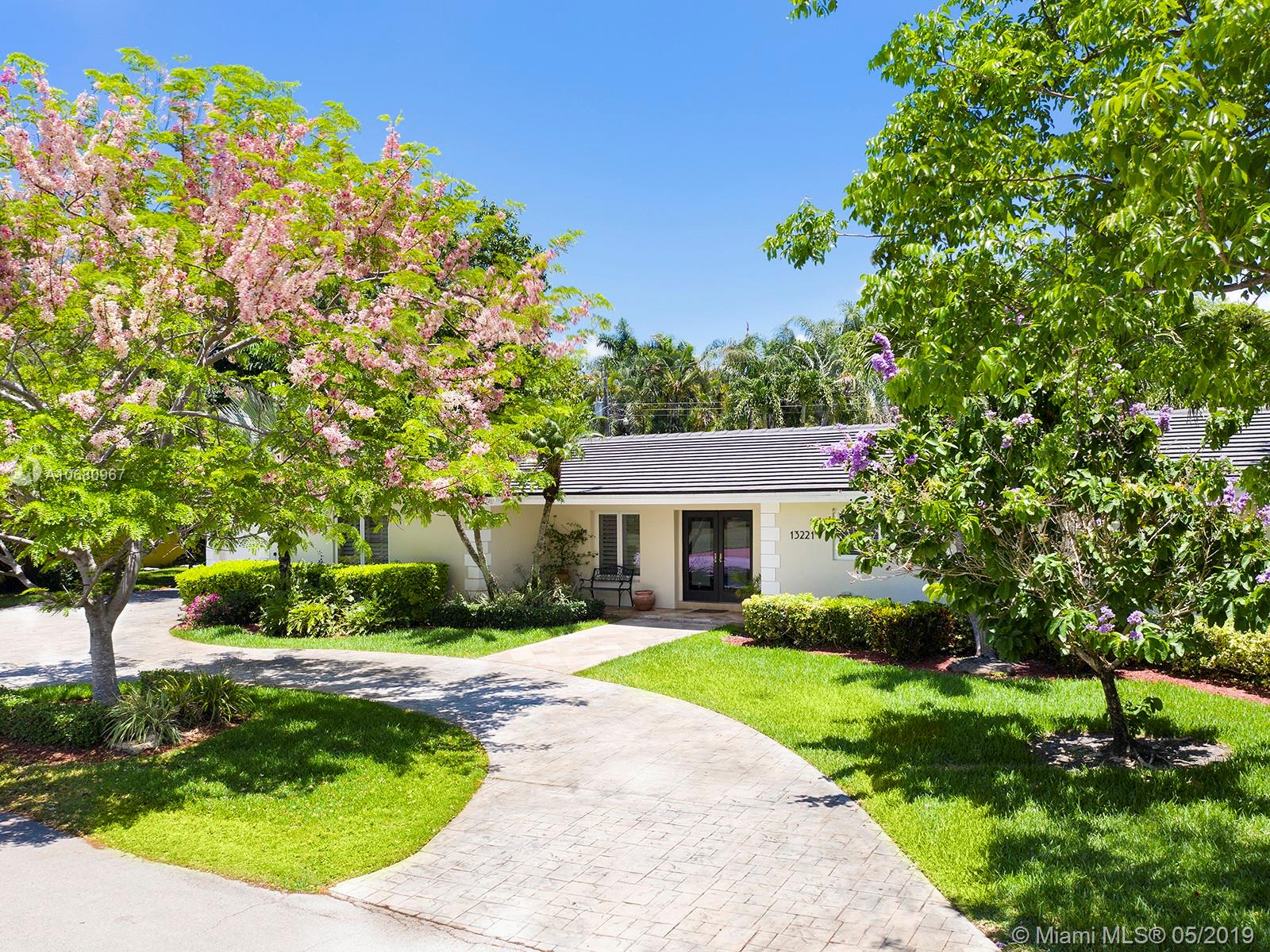 13221 SW 70th Ave  For Sale A10680967, FL