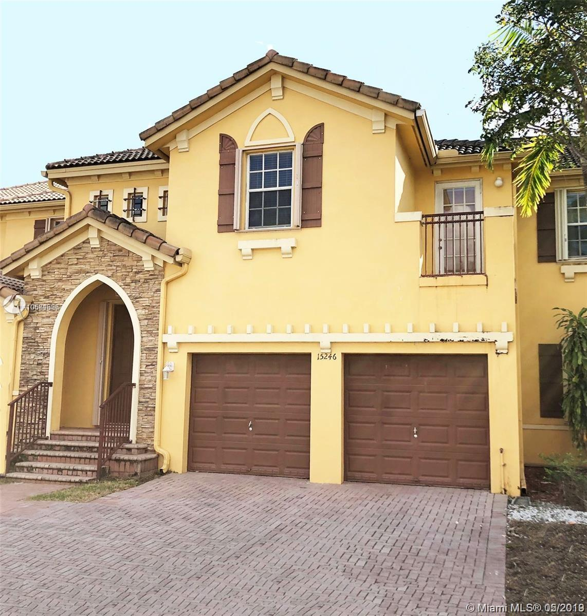 15246 SW 8th Way  For Sale A10681686, FL