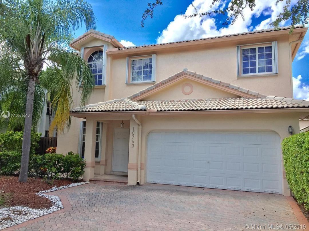 10753 NW 69th Ter  For Sale A10676613, FL