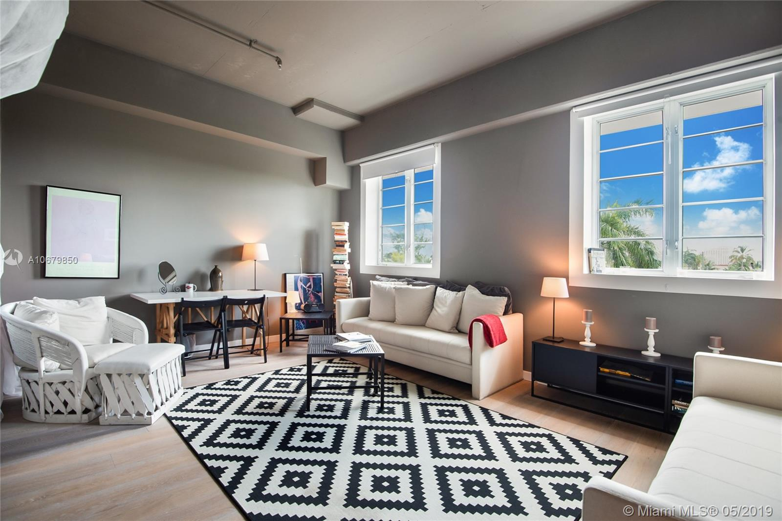 1560  Lenox Ave #302 For Sale A10679850, FL