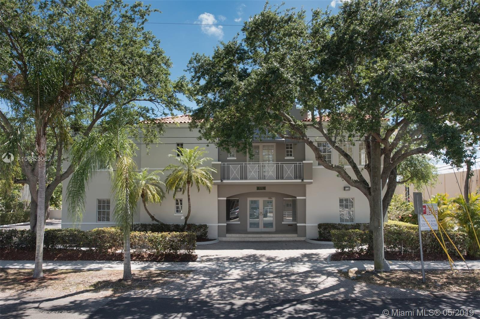 6150 SW 76 St  For Sale A10682308, FL