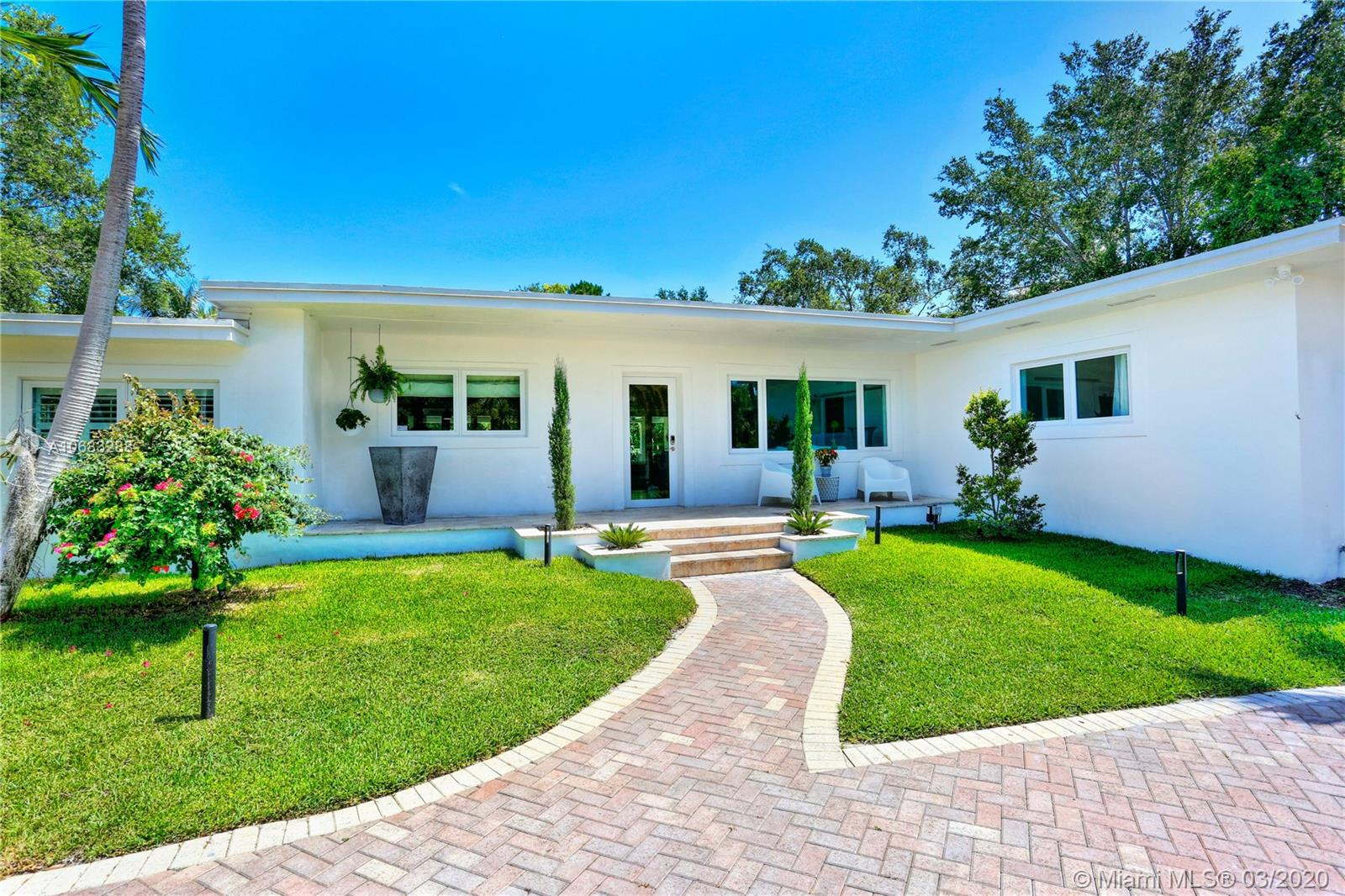 7135 SW 76th St  For Sale A10683288, FL