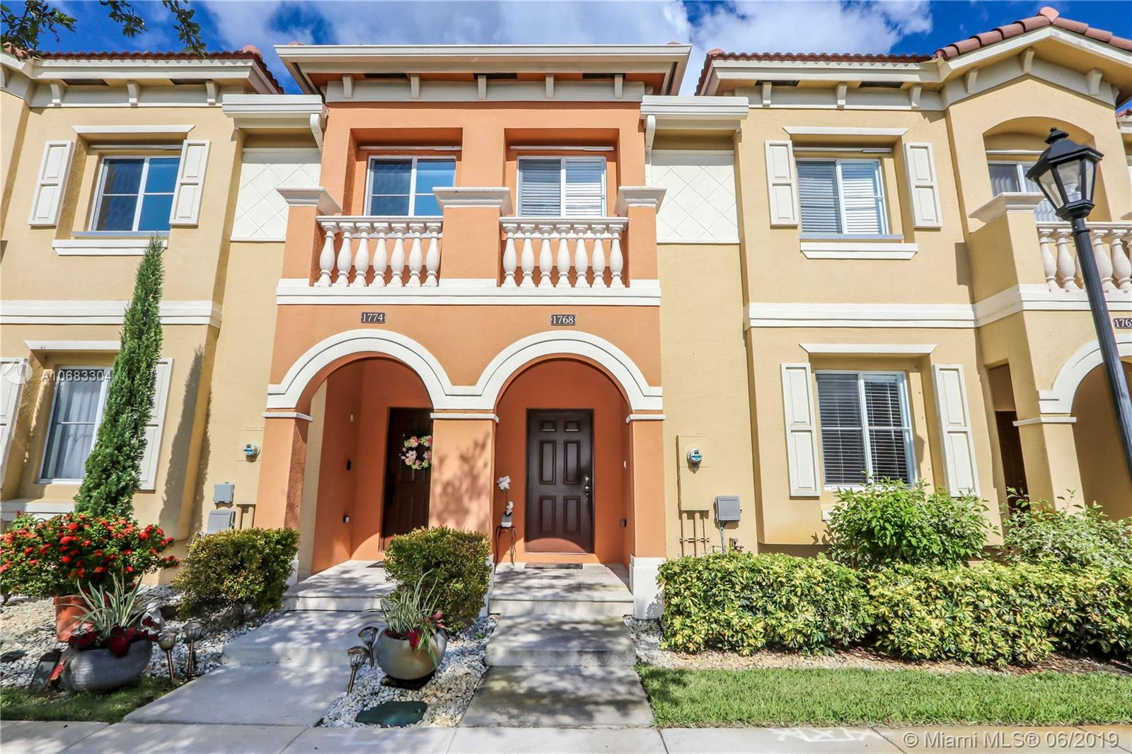 1768 S W 89th Way #1768 For Sale A10683304, FL