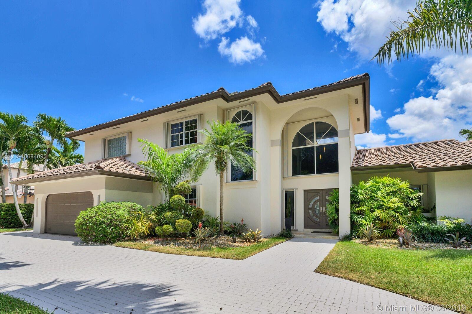 8322 NW 156th Ter, Miami Lakes, FL 33016