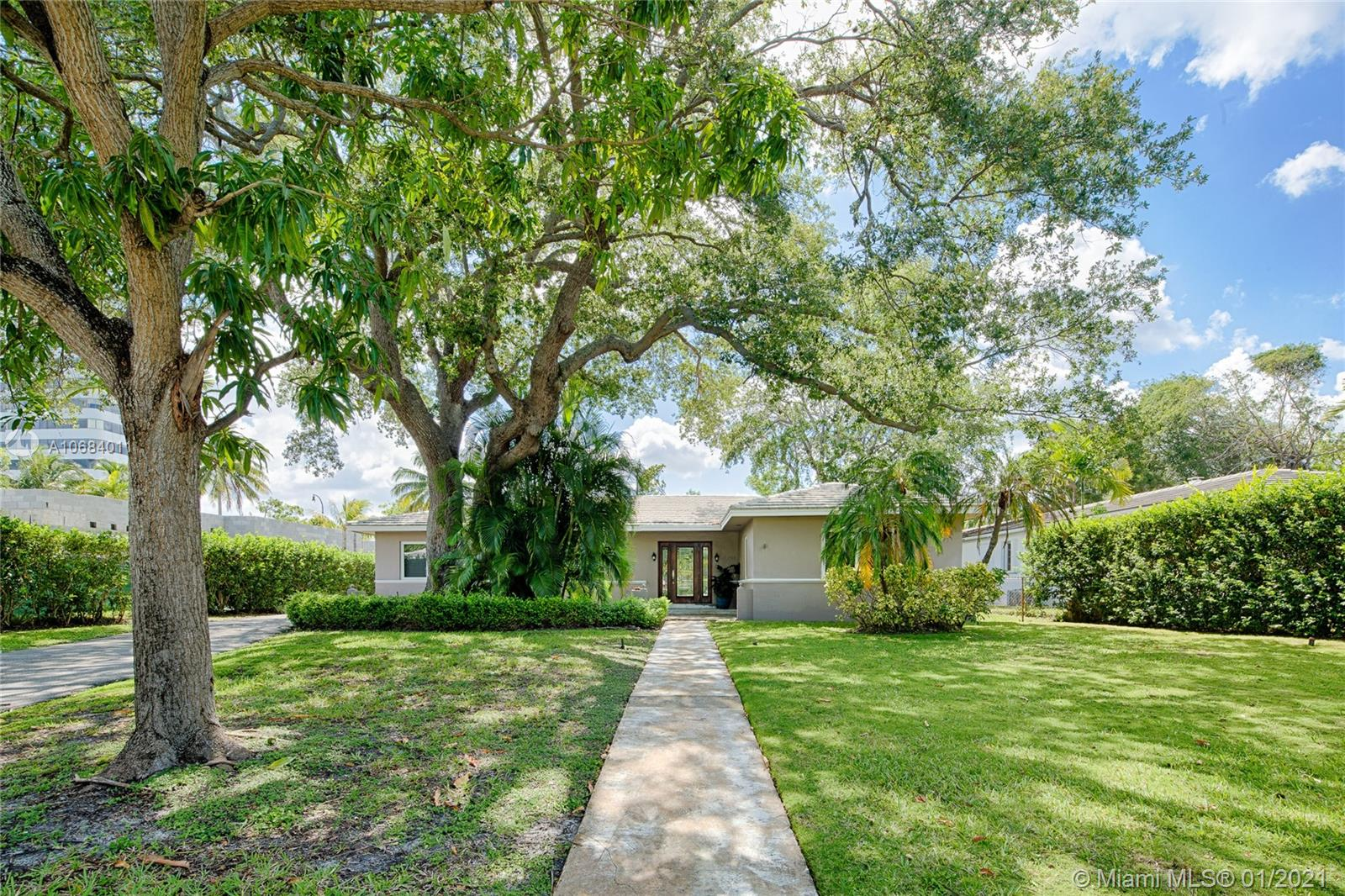 4744  Bay Point Rd  For Sale A10684011, FL