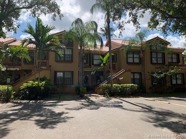 15569 N Miami Lakeway N #202 For Sale A10684718, FL