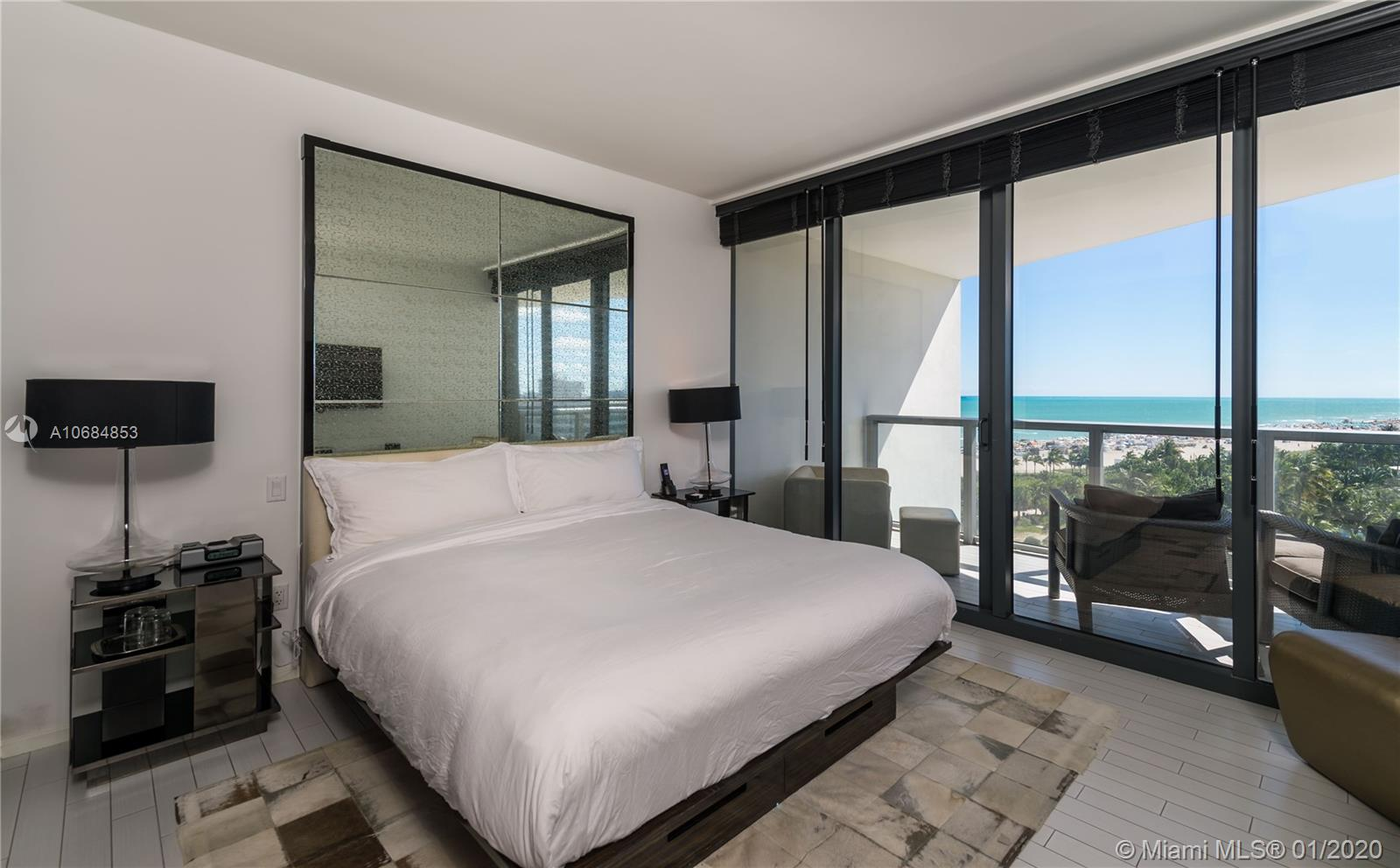 2201  Collins Ave   814